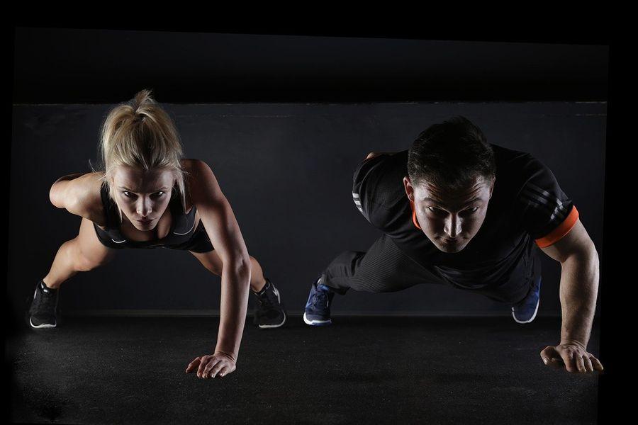 Trening siłowy para